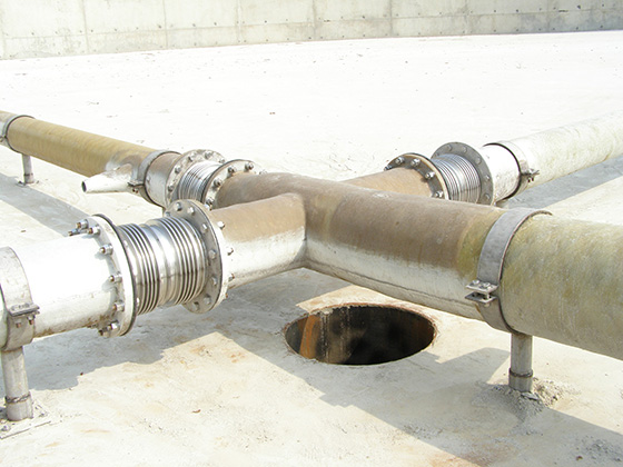 jet mixers showing expansion joints